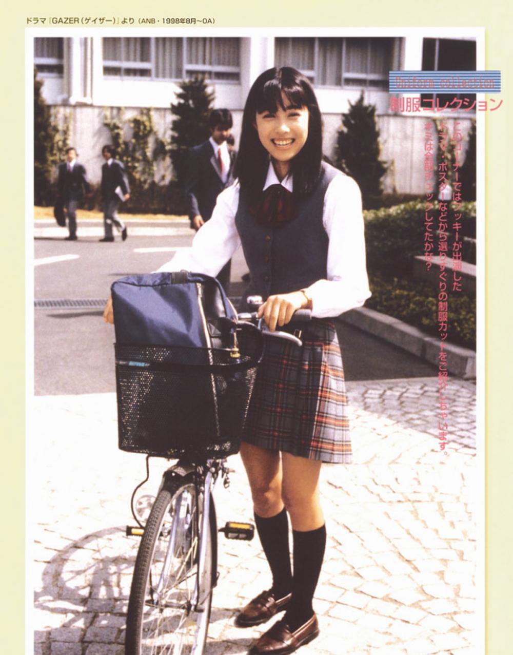 被锁在保险柜里的日本艺人吹石一惠的写真作品 (27)