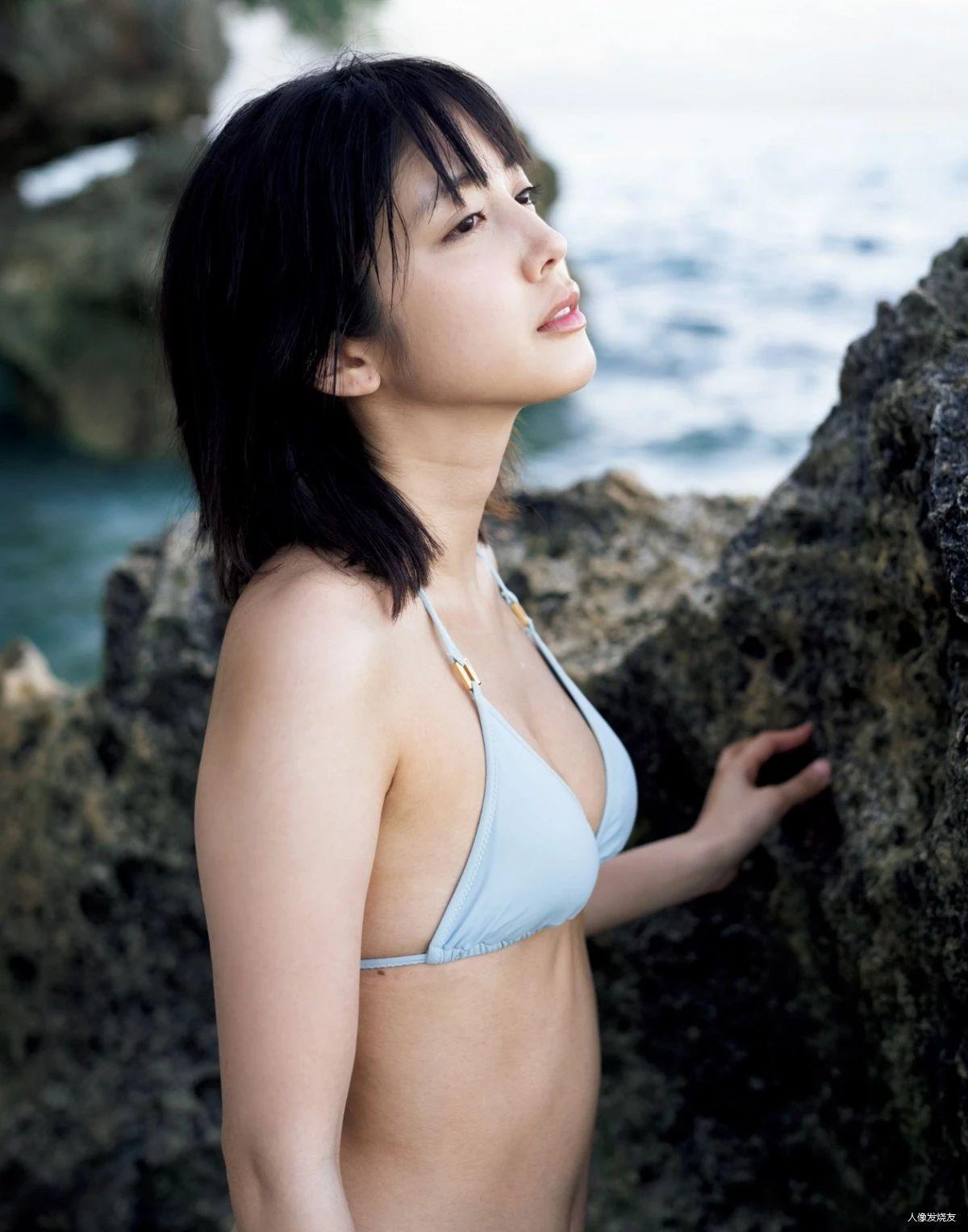 一双治愈力十足的大眼美女松田瑠华(松田流花)写真作品 (66)
