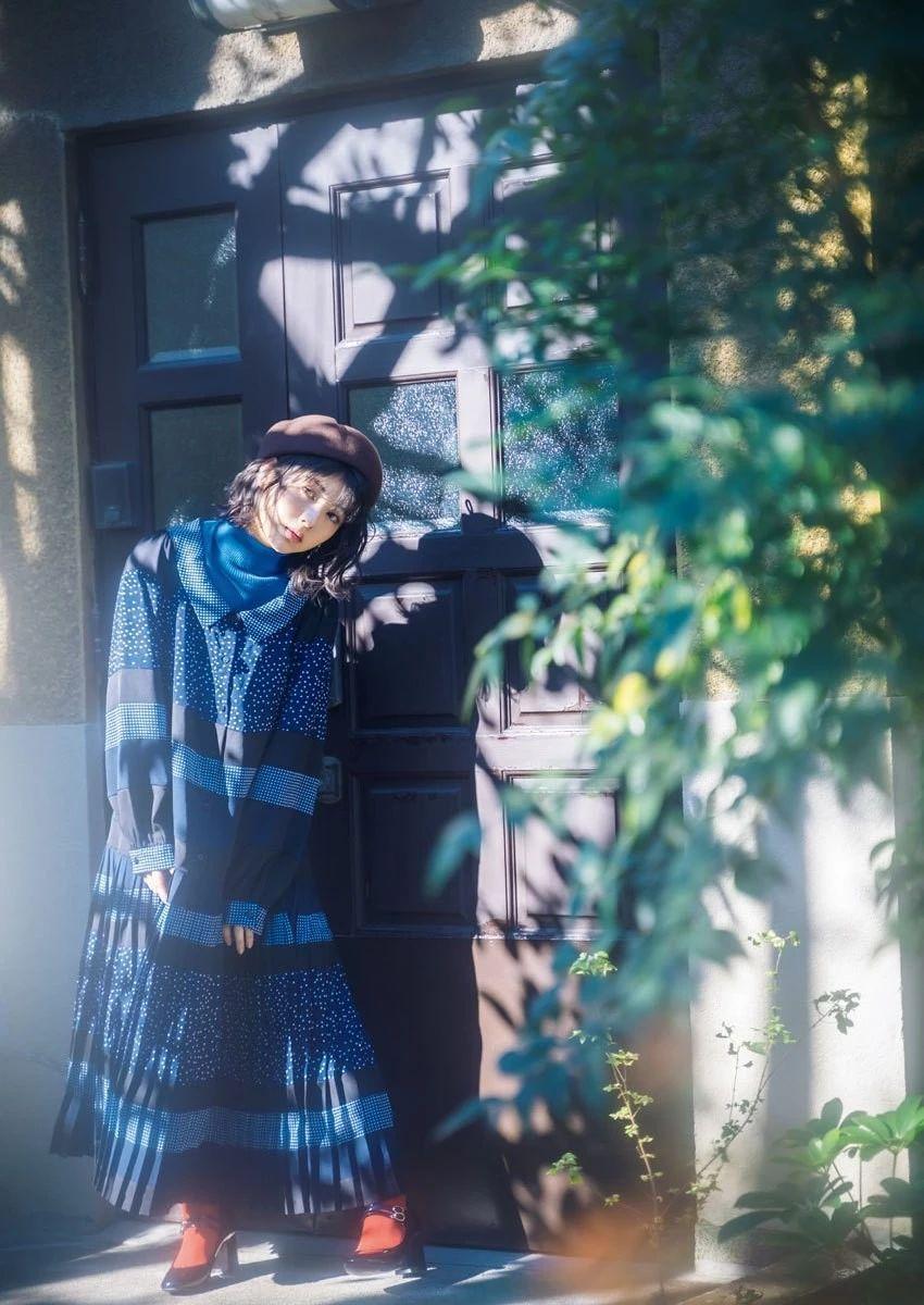 气质楚楚动人的滨边美波写真作品 (13)