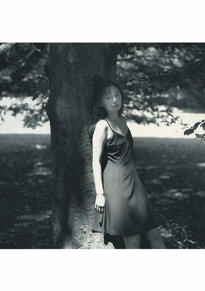 最禁欲魔性之女叶月里绪菜写真作品 (25)