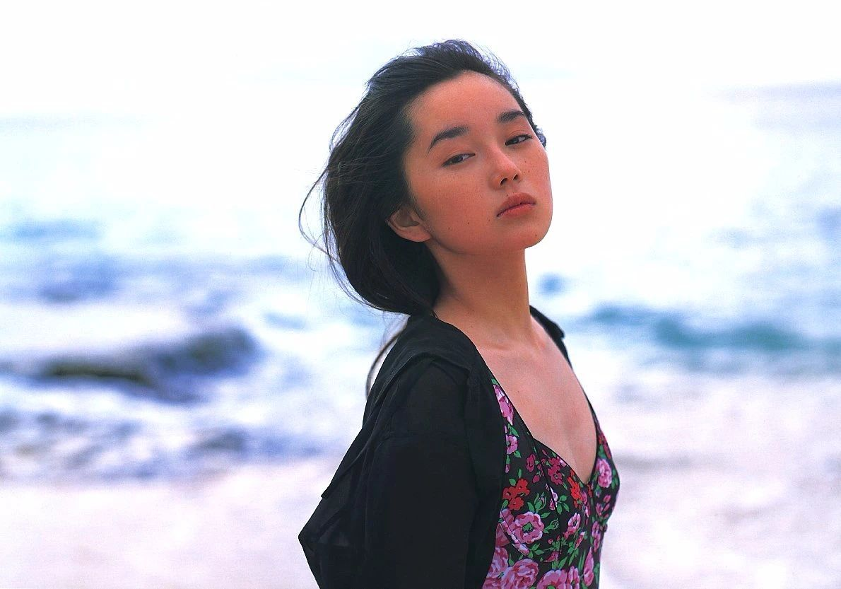最禁欲魔性之女叶月里绪菜写真作品 (55)