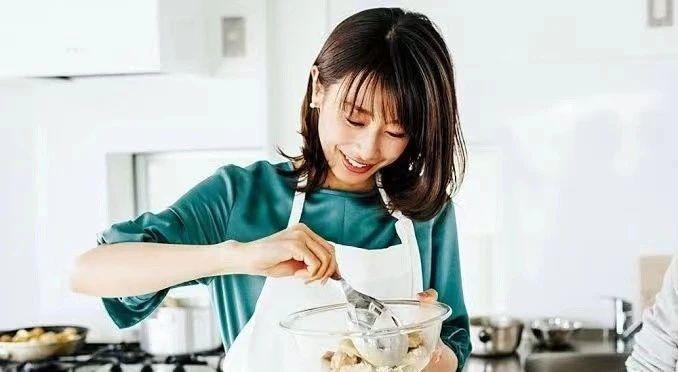 已经提交结婚申请的加藤绫子在印象中好像刚刚分手吧! (3)