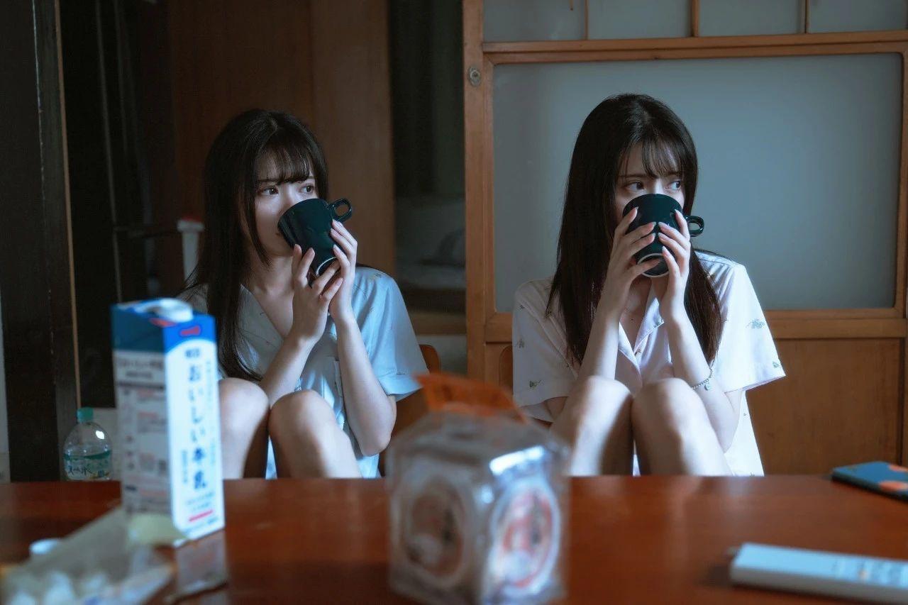 B站UP主果哝双子让你们享受双倍的美好双倍的快乐 (12)