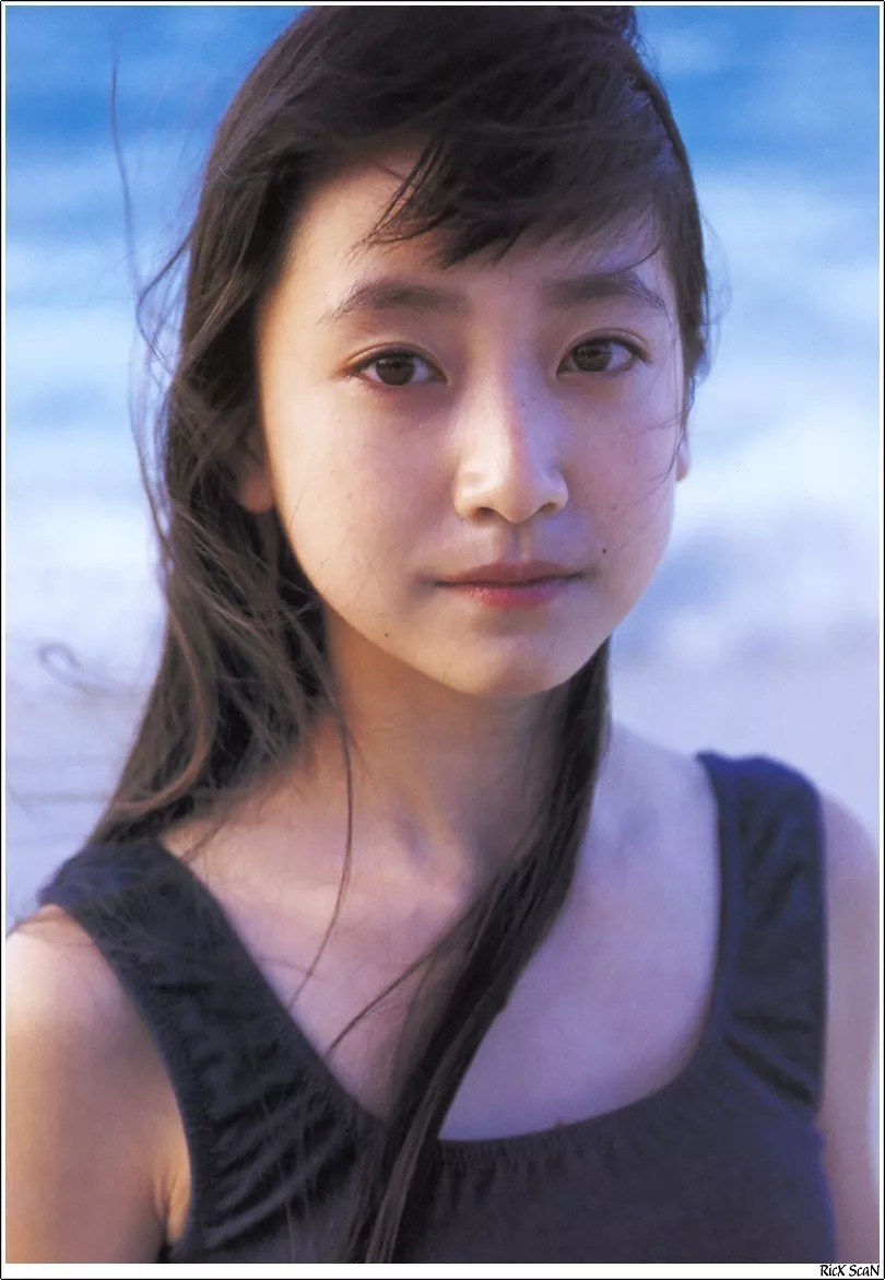 形象纯过蒸馏水的黑川智花《少女觉醒》的写真作品 (21)