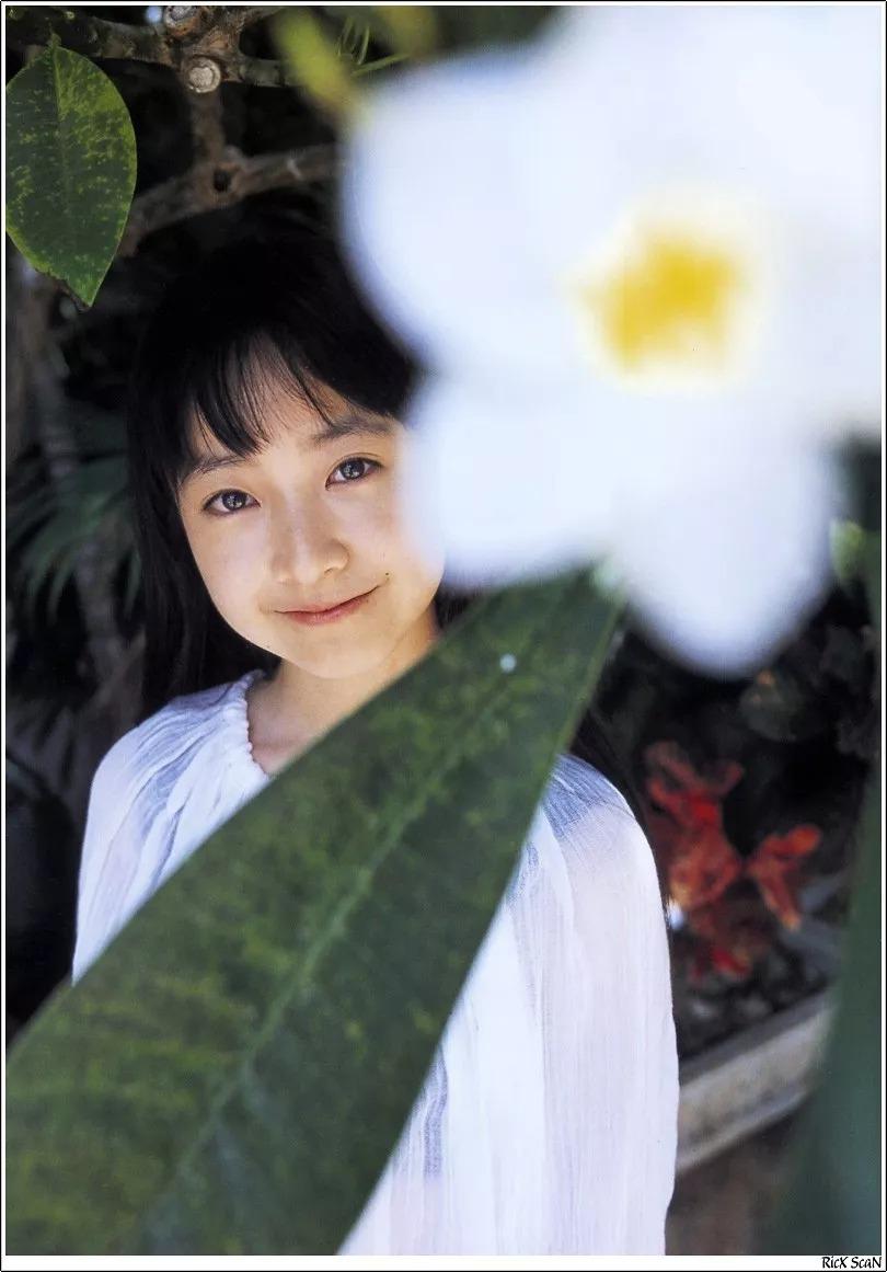 形象纯过蒸馏水的黑川智花《少女觉醒》的写真作品 (40)
