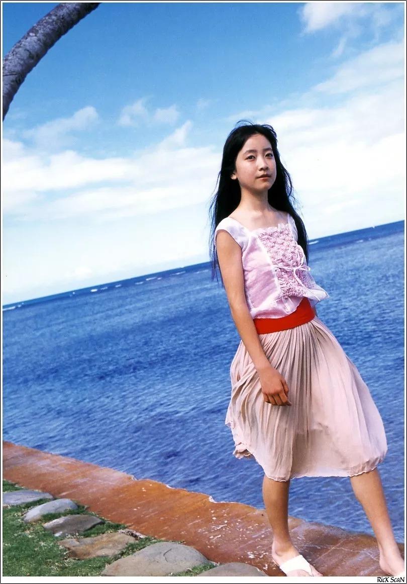 形象纯过蒸馏水的黑川智花《少女觉醒》的写真作品 (41)
