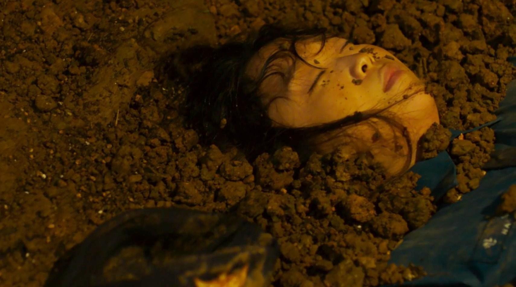 韩国电影《无声》最后的逃跑象征着是人性对社会化的一种抵抗与逃离 (6)