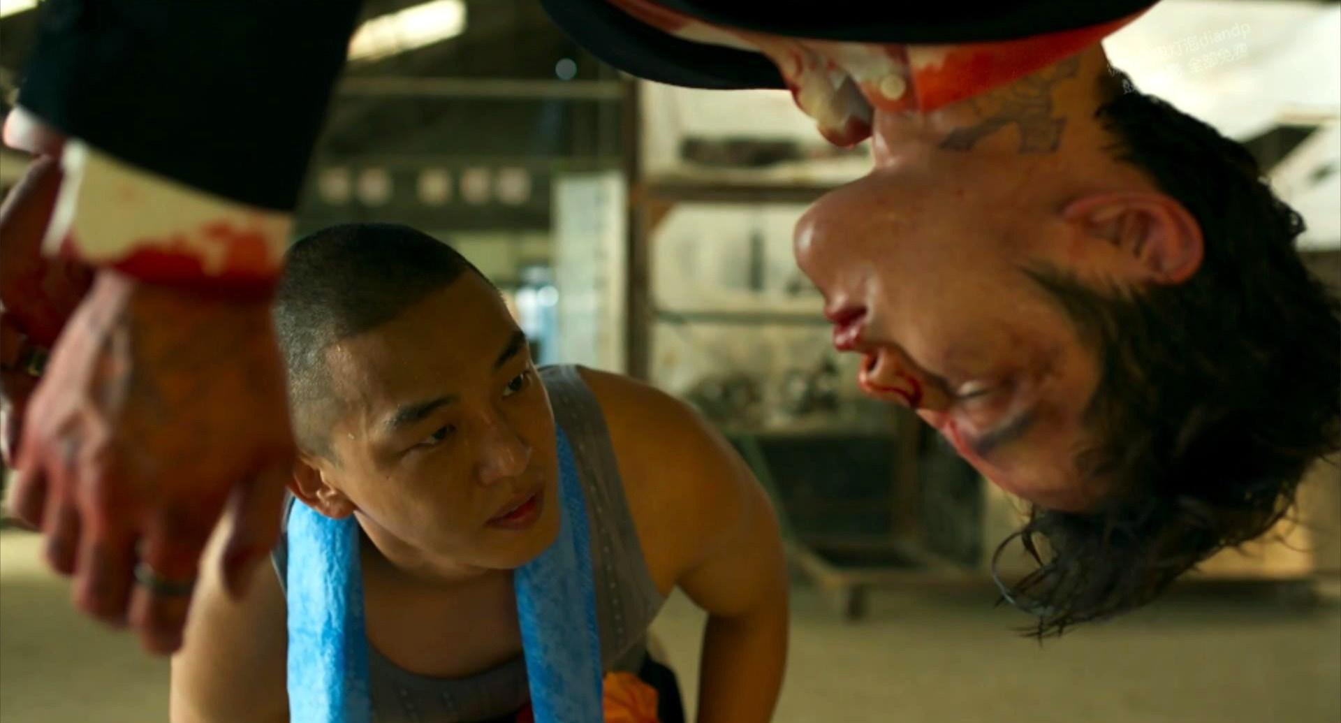 韩国电影《无声》最后的逃跑象征着是人性对社会化的一种抵抗与逃离 (9)