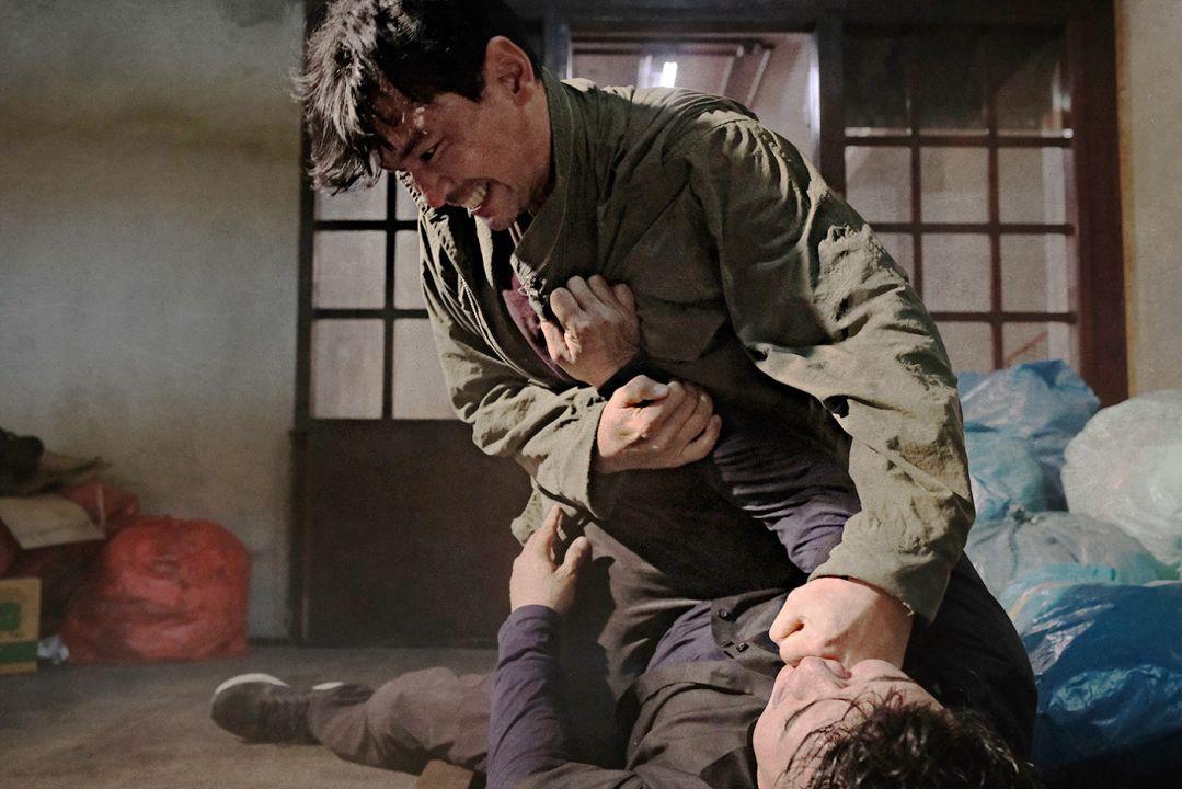 《魔鬼对决》南韩预售率夺冠黄晟玟、李政宰火爆互殴来真的-MP4吧
