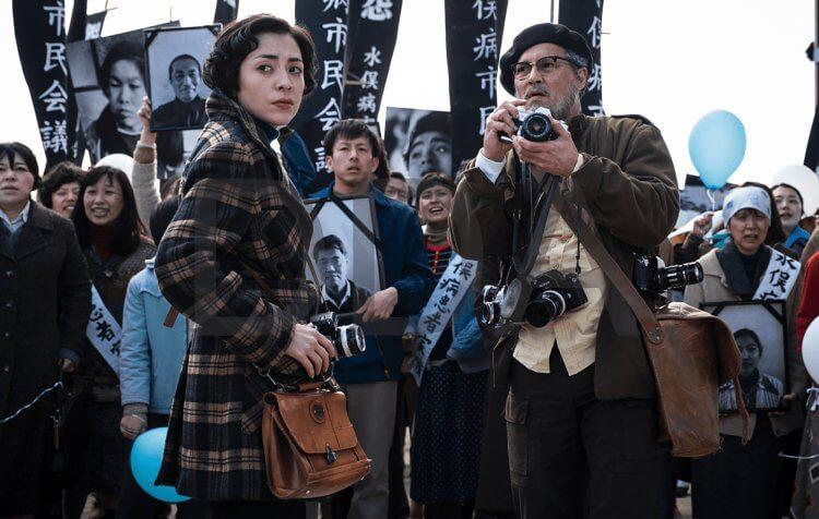 强尼戴普饰演传奇摄影师尤金史密斯!《恶水真相》重现冲击世人的「日本水俣病」背后真相-MP4吧