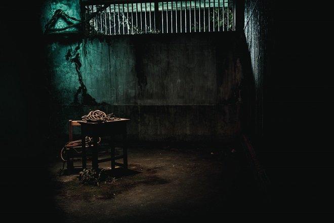 《返校》影集首曝宣传曲MV!安溥献声呼应「学姊」30年回忆-MP4吧