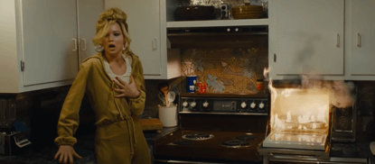 那些恐怖电影教我们的事:藏于厨房之中,被警察抓也告不了你的微波炉,原来是七武器之首?-MP4吧
