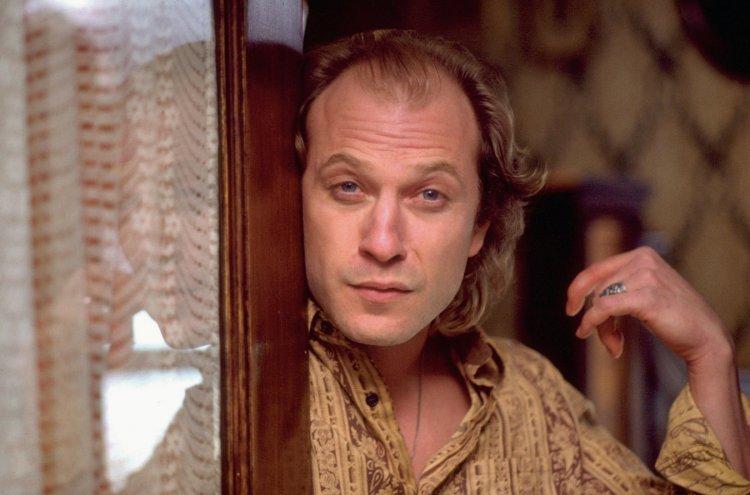 这是「拔叔」麦斯米克森的愿望:能在《双面人魔》第四季看见《沉默的羔羊》水牛比尔登场-MP4吧