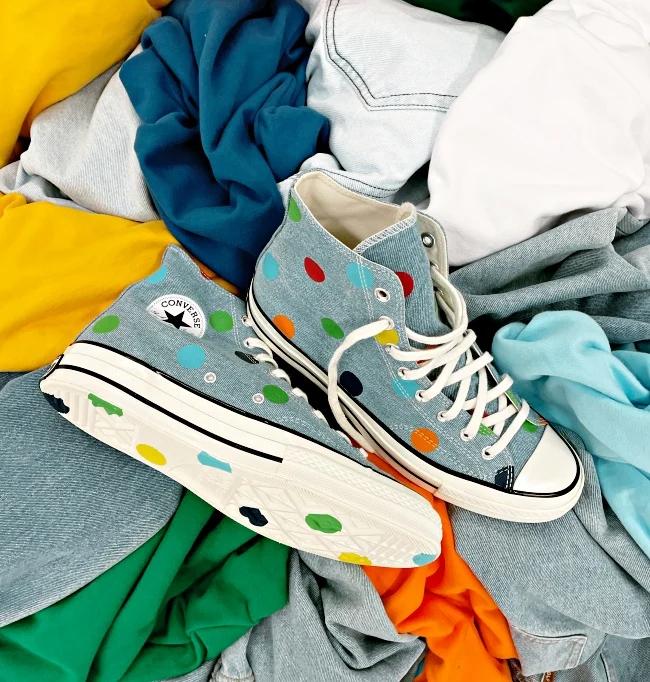 匡威、耐克、彪马超可爱「波点鞋」,为你的秋冬穿搭添点色彩插图1