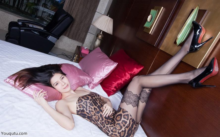 裤黑丝美女h写真图片