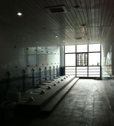 霸气十足,温州大学图书馆一楼的女厕所~