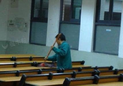 上课喜欢睡觉的同学,你们看过后还睡的着不~