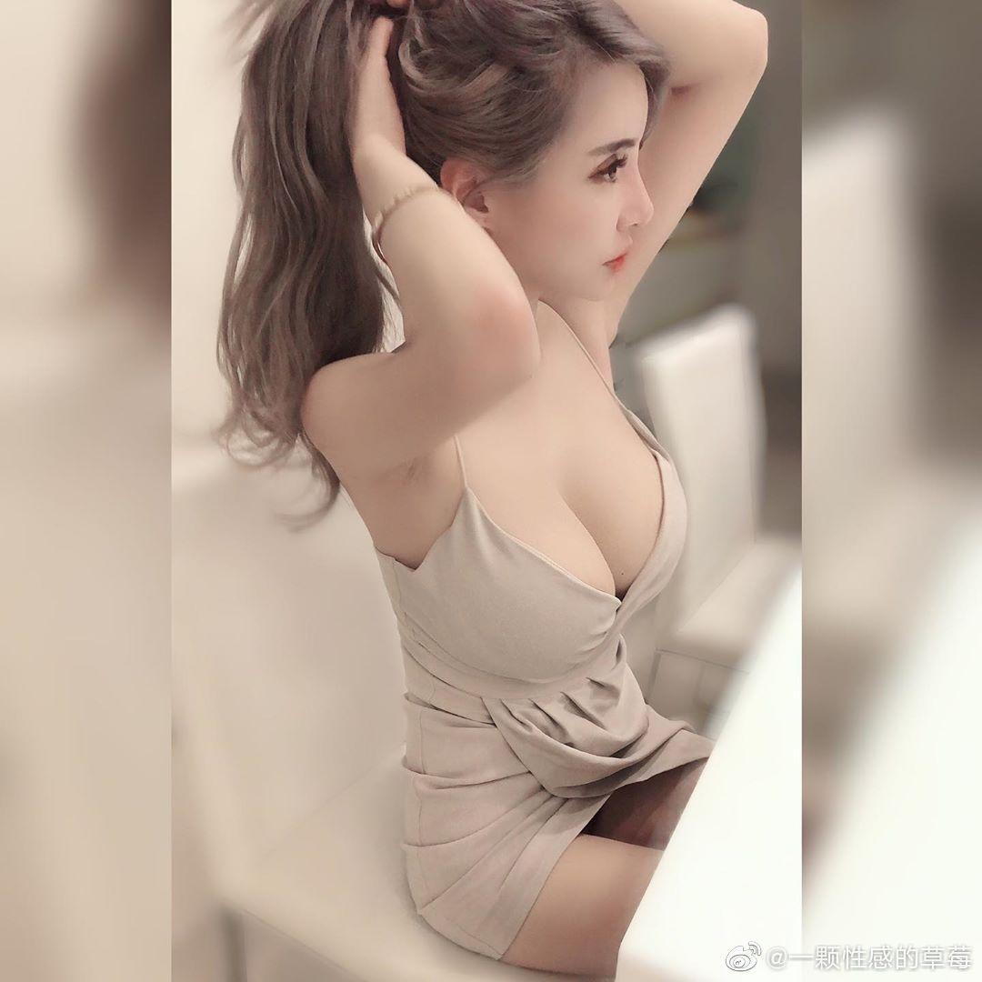 台湾嫩模IG网红妹元欣,拥有横看成岭侧成峰的傲人身材-第3张图片-宅小报