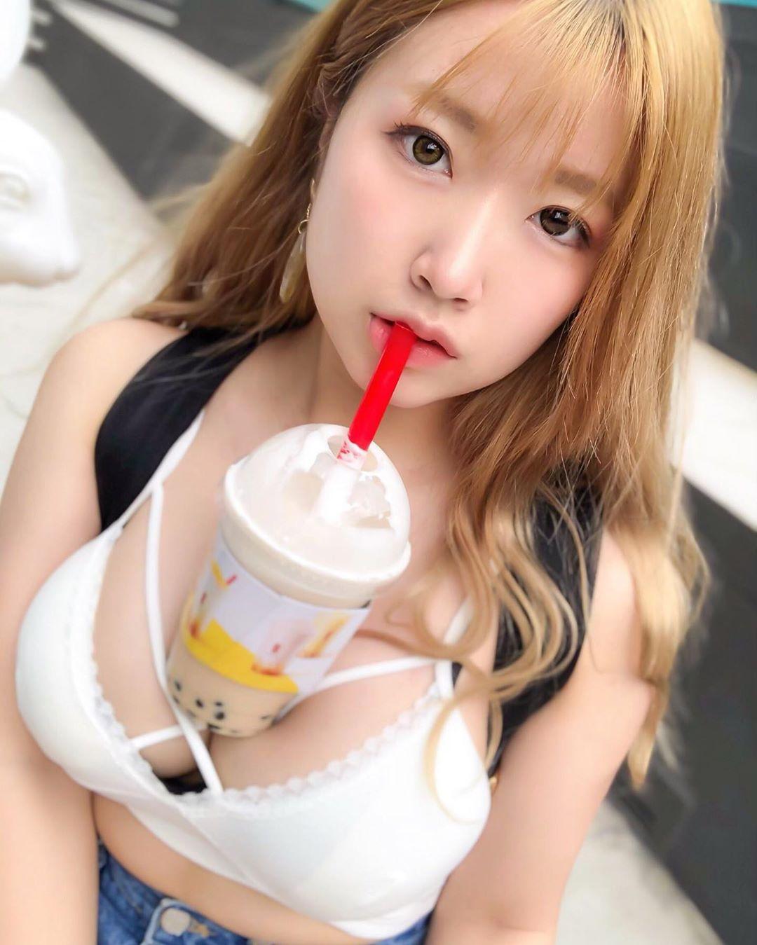 来自日本的潮流:「放开双手」喝珍珠奶茶
