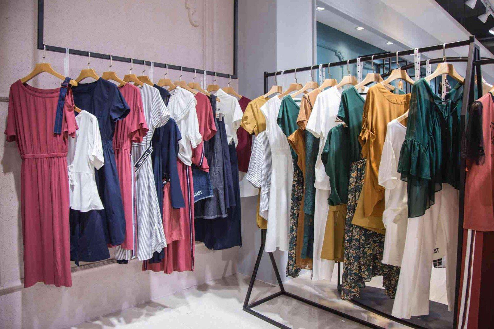 常熟服装批发档口丨在网上找地摊货源,常熟服装批发了解一下