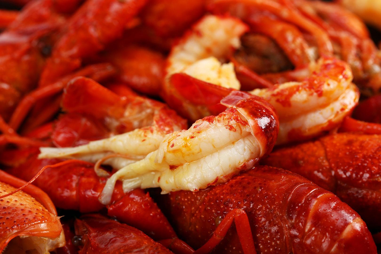 福利趣事丨小龙虾吃到一半竟活了一只,你遇到过吗