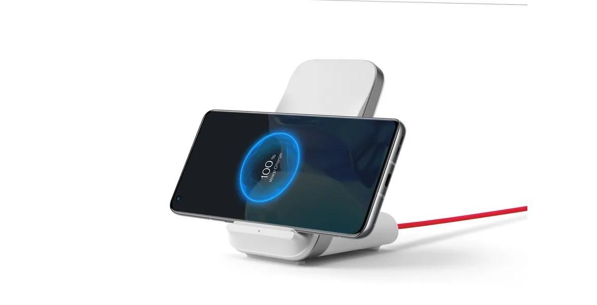一加9pro手机无线充电演示图