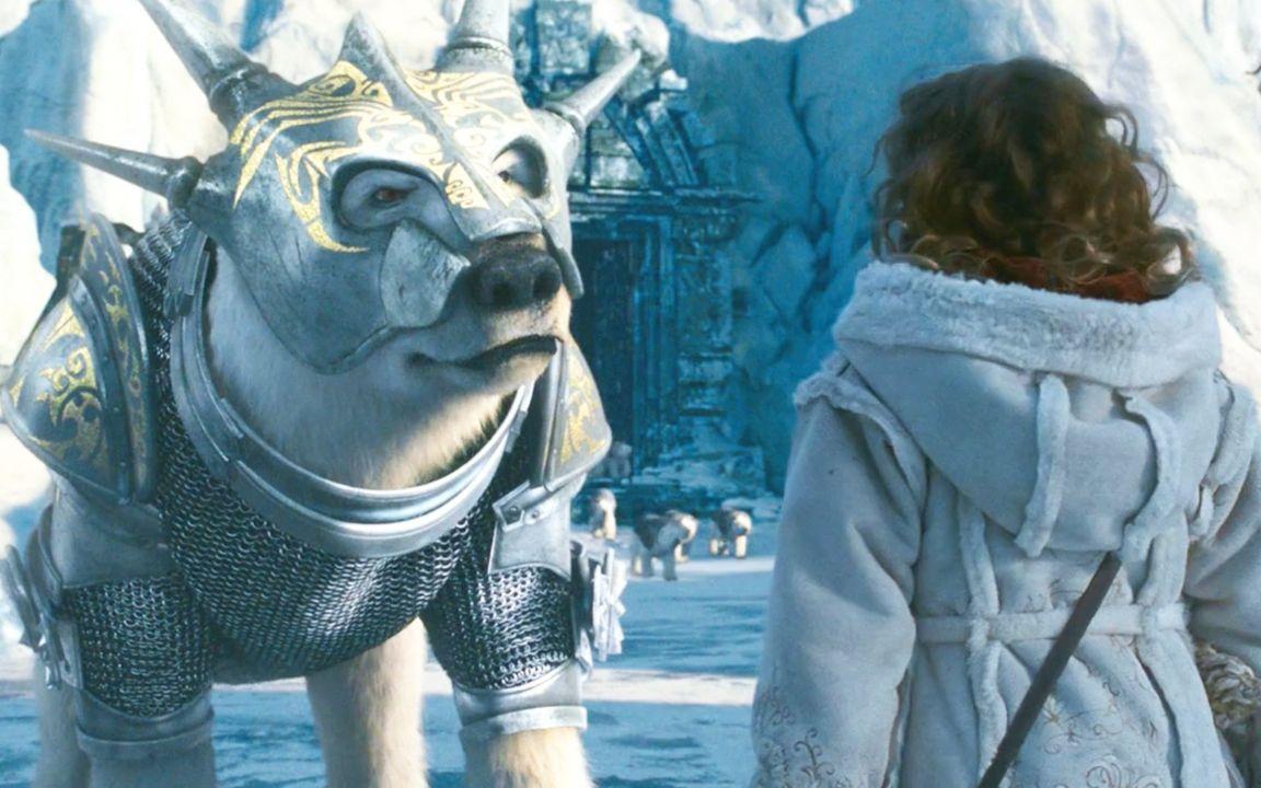 女孩收服一只白熊,还帮助它拿回铠甲,最后成为了熊族的国王!
