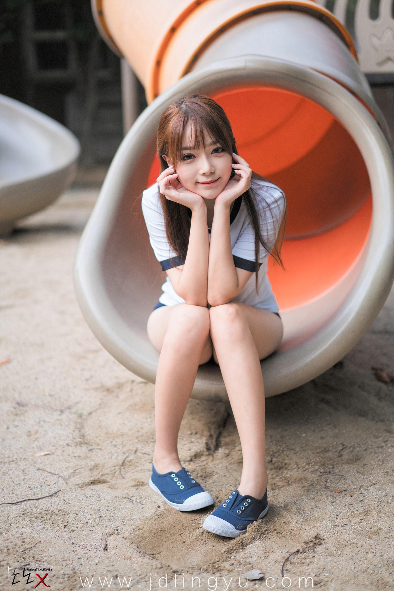 日系少女风格插图
