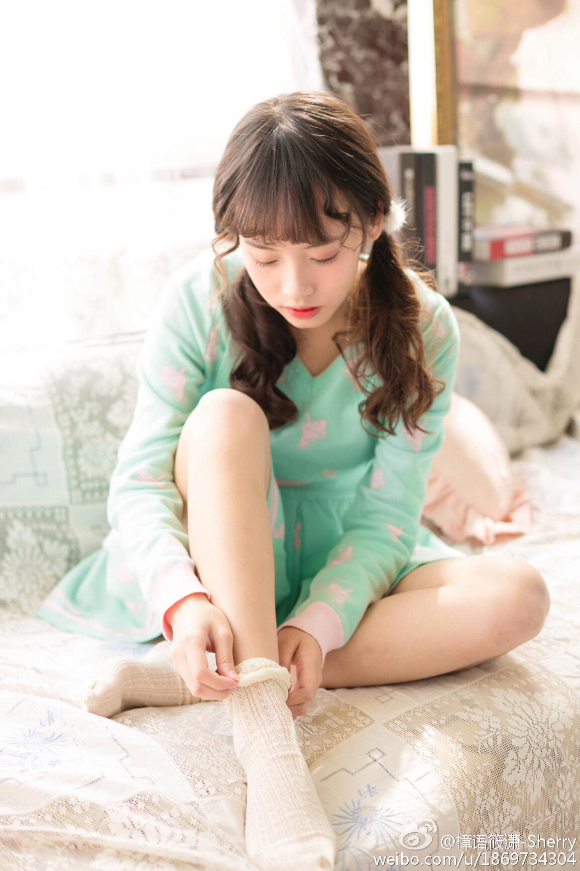 绿衣少女和她的午后插图4