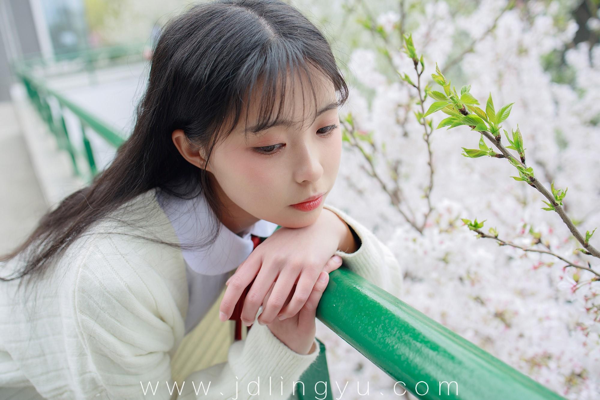 [森萝财团] JKFUN-001 甜米 纯纯的白丝学妹