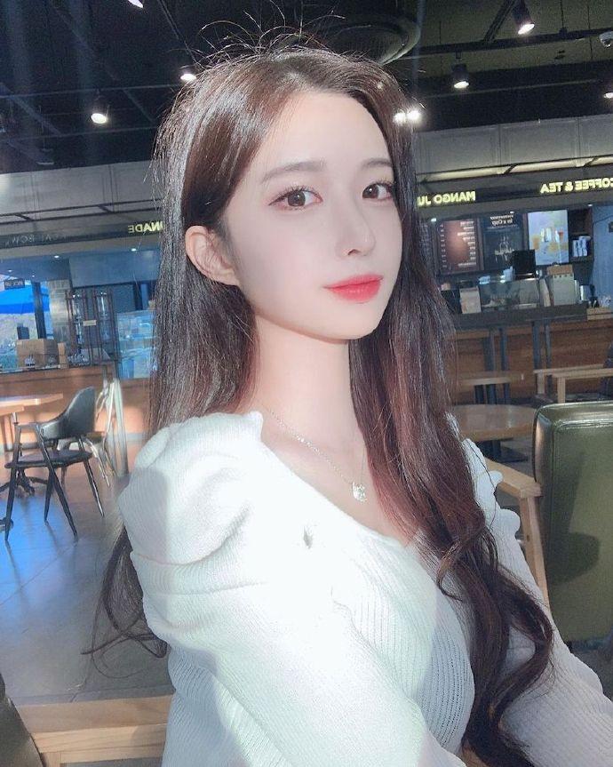 颜值超高的韩国航空系正妹「 서 림 」,皮肤白皙还有超修长辣腿!-新图包