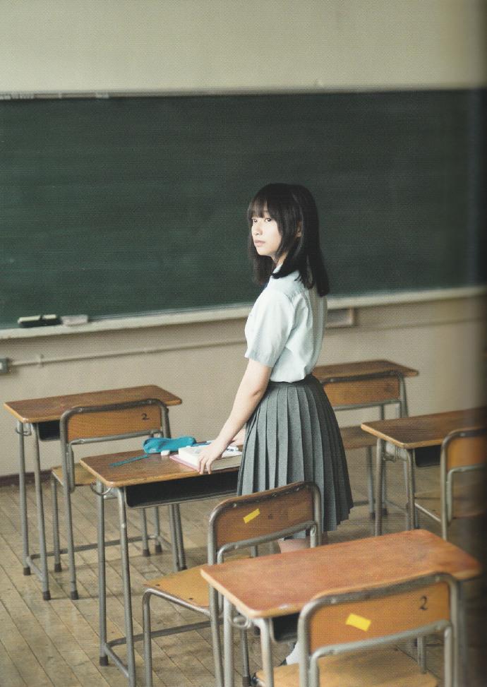 日向坂46首本写真集写真集《立ち漕ぎ》