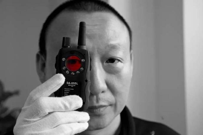我的工作,是找出渣男安装的针孔摄像头