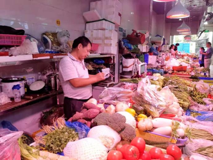 不能全怪社区团购,但菜贩子生意真的越来越难做