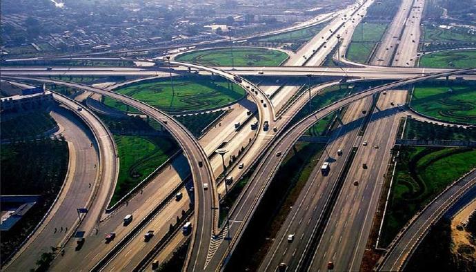 中国高速一直在超越一直被骂,我们对它的误会有多深?