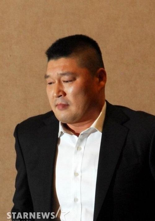 姜虎东的父亲于今日凌晨去世