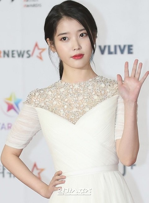 IU有望出演tvN新週末劇《月之酒店》今夏播出