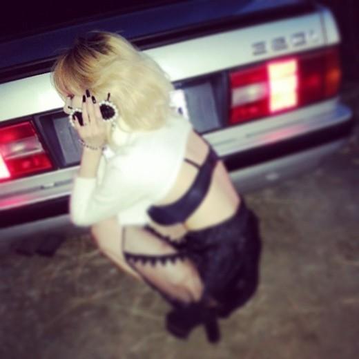 "4Minute泫雅性感裸露內衣,""Trouble Maker的新造型?"""