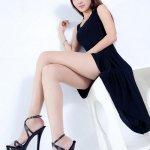 高挑美女Bella丝袜制服写真